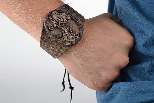 Fiel Disfraces Orden alfabetico  Pulsera de cuero artesanal ancha accesorio para hombre regalo original:  Amazon.es: Hogar