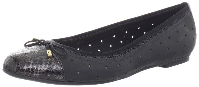 Amazon.com: Clarks Valley de la mujer piedra plana: Shoes