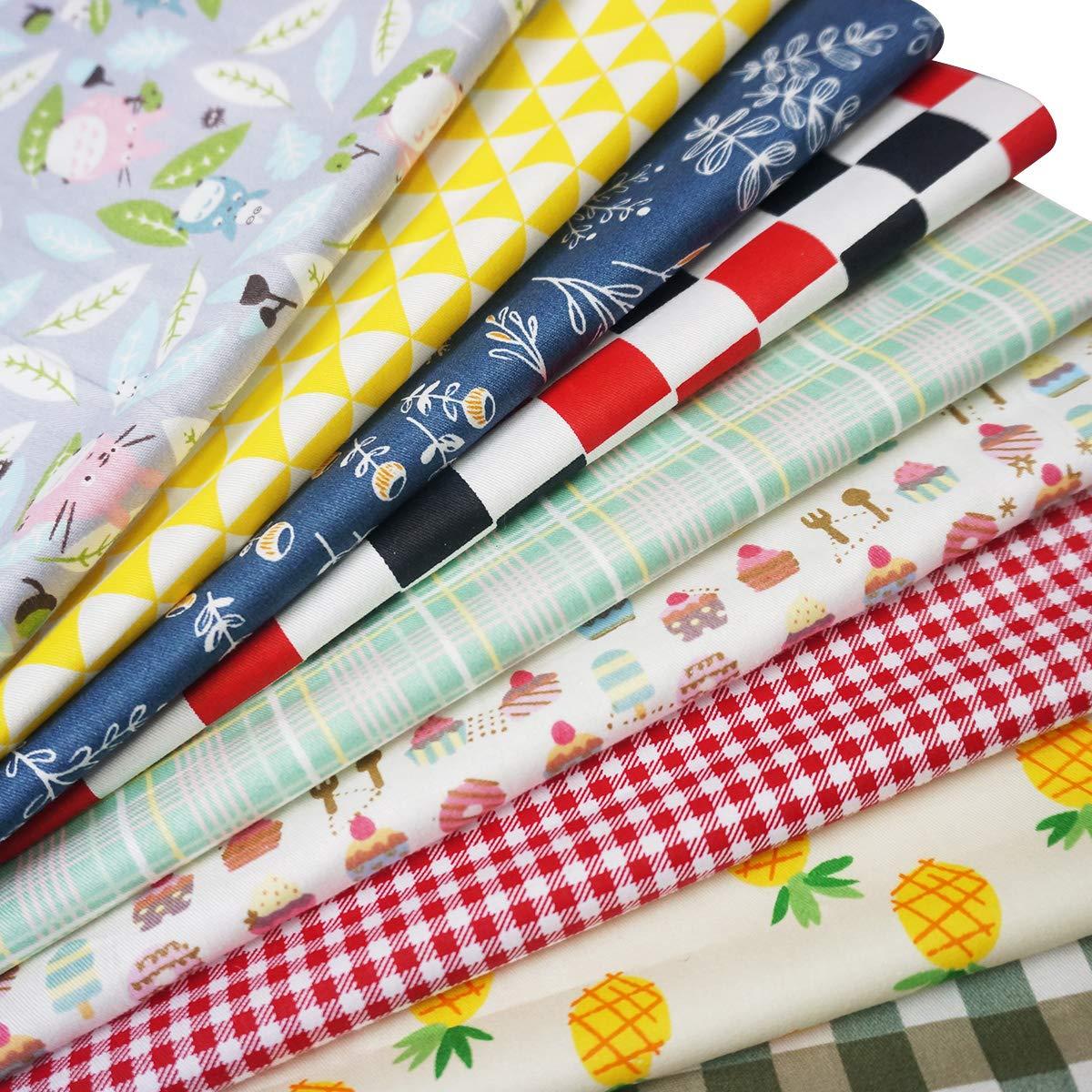 a8affba442c6fe 25Pcs Baumwollstoff Patchwork Stoffe DIY Gewebe Quadrate Baumwolltuch  Stoffpaket zum Nähen mit vielfältiges Muster 30x30cm Bastel- &  Malmaterialien