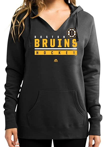 Amazon Com Boston Bruins Women S Majestic Nhl Hand Pass Hooded