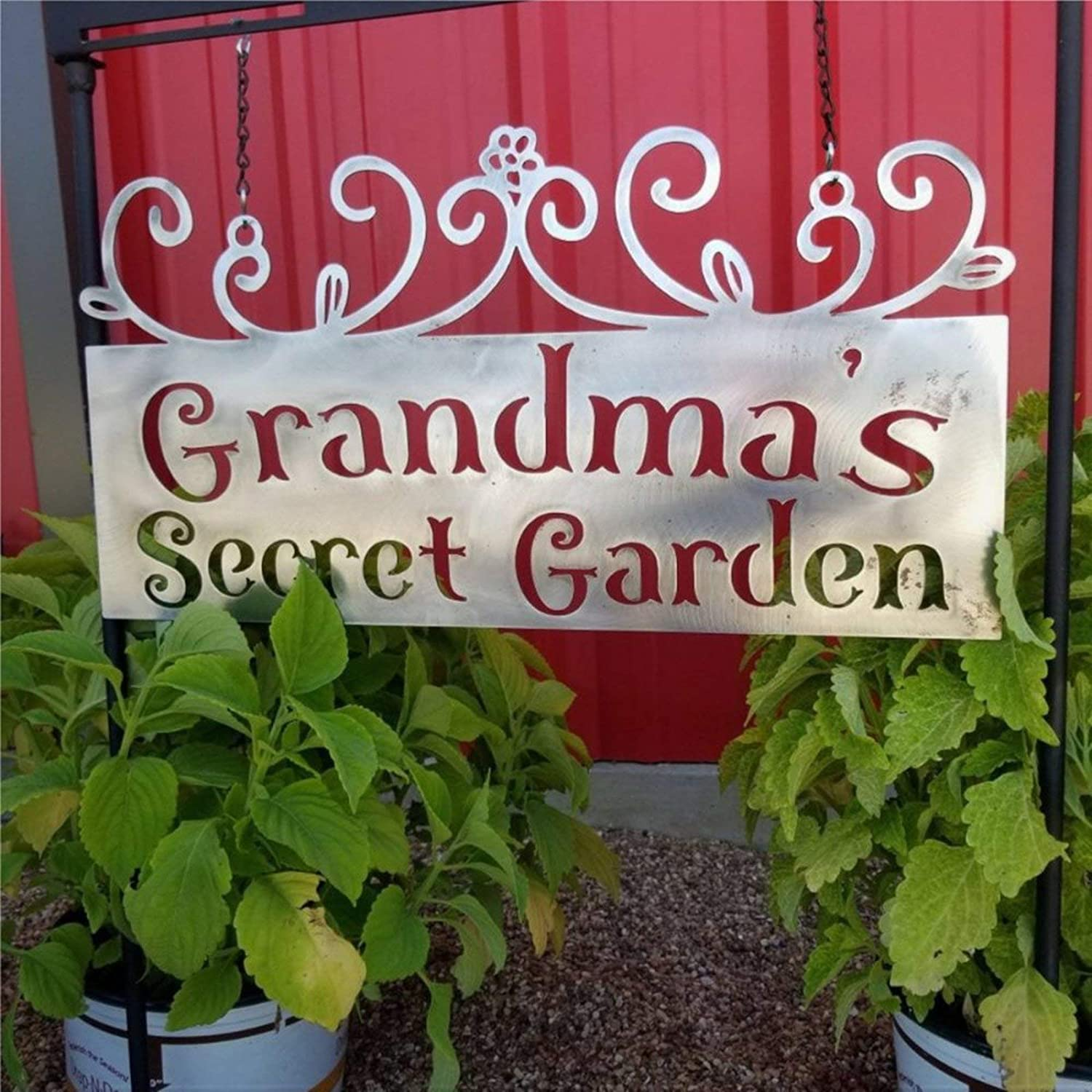 DONL9BAUER Metal Sign Grandmas Secret Garden, Hanging Garden Sign Plaque Home Decor Wall Art Metal Sculpture Front Porch Door Hanger, Best Gift
