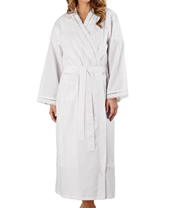 1f8cd95b2c Ladies Lightweight Dobby Dot Cotton Dressing Gown Broderie Anglaise Trim  Bathrobe UK 20 22 (White)  Amazon.co.uk  Clothing