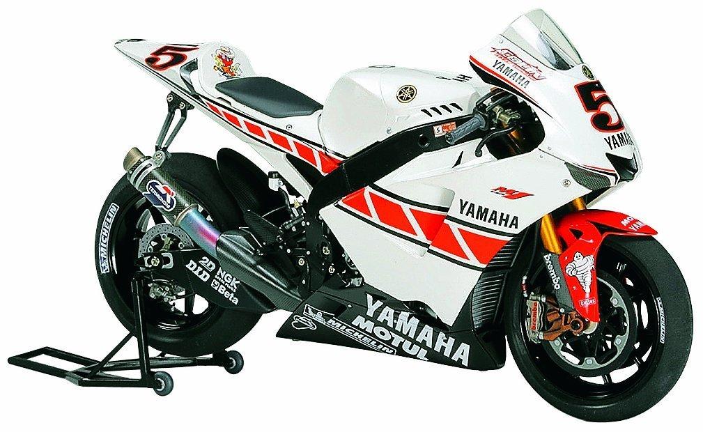 タミヤ 1/12 オートバイシリーズ No.105 ヤマハ YZR-M1 50th アニバーサリー バレンシアエディション プラモデル 14105   B000J46V5U