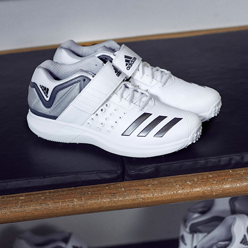 reputable site e7b87 4bf9e adidas Adipower Vector Mid Cricket Shoes - SS18  Amazon.co.uk  Shoes   Bags