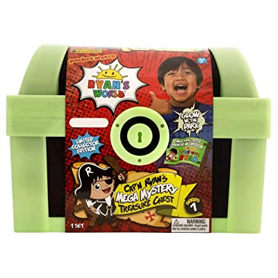 Ryan's World Exclusive Glow in The Dark Cap'n Ryan's Mega Mystery Treasure Chest: Toys & Games