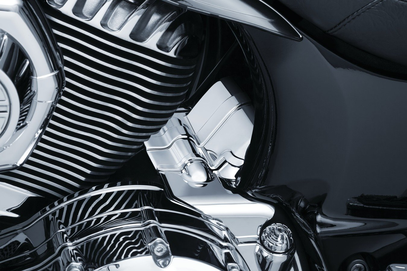 Kuryakyn Chrome Transmission Cover for Indian 2014-2018/ Chief Classic,/ Chief Dark Horse,/ Chief Roadmaster,/ Chief Vintage,/ Chieftain and/ Springfield Models