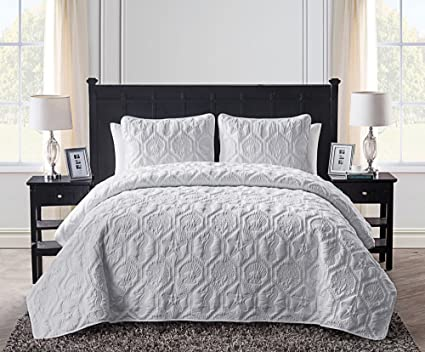 3 Piece White Embossed Seashell Theme Quilt Queen Set, Beautiful Classic  Coastal Seahorse Bedding,