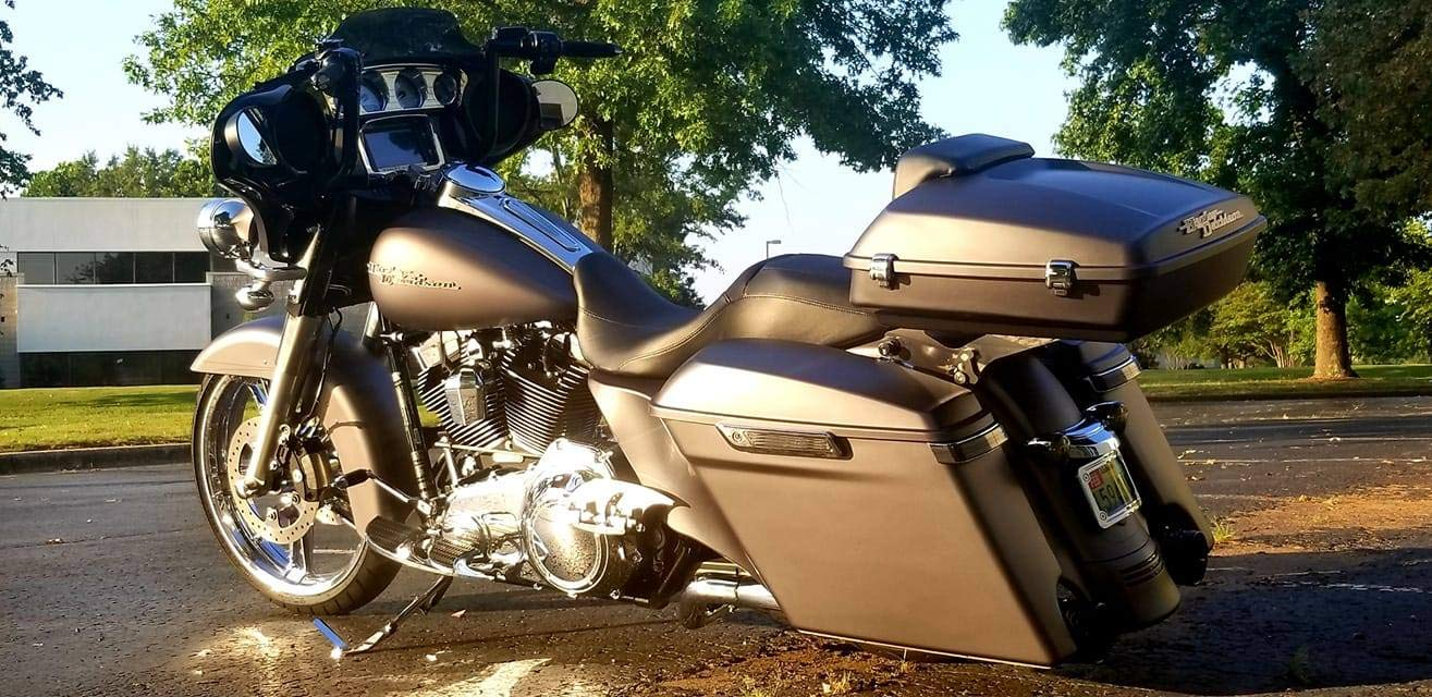 Harley Touring Street Glide Road Glide Special Crushed Ice Pearl Stretched Side Covers Extended Side Panels Plastic Skirts Fit for 2014