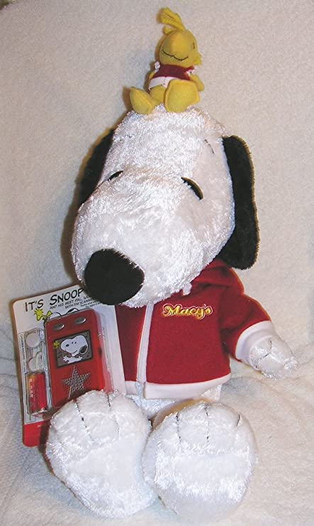 Amazon Com Peanuts 24 Plush 2006 Macy S Plush Snoopy And Woodstock
