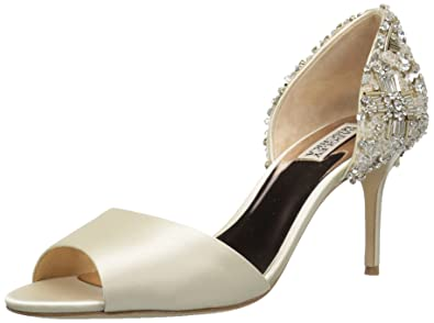 76998baa4f5ac Badgley Mischka Women's Sandie Pump