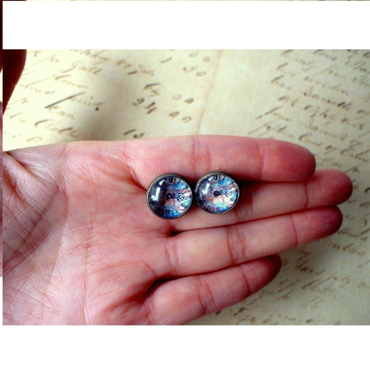 Amazon.com: Blue Multicolor Vintage Clock Cabochon Stud Earrings ...