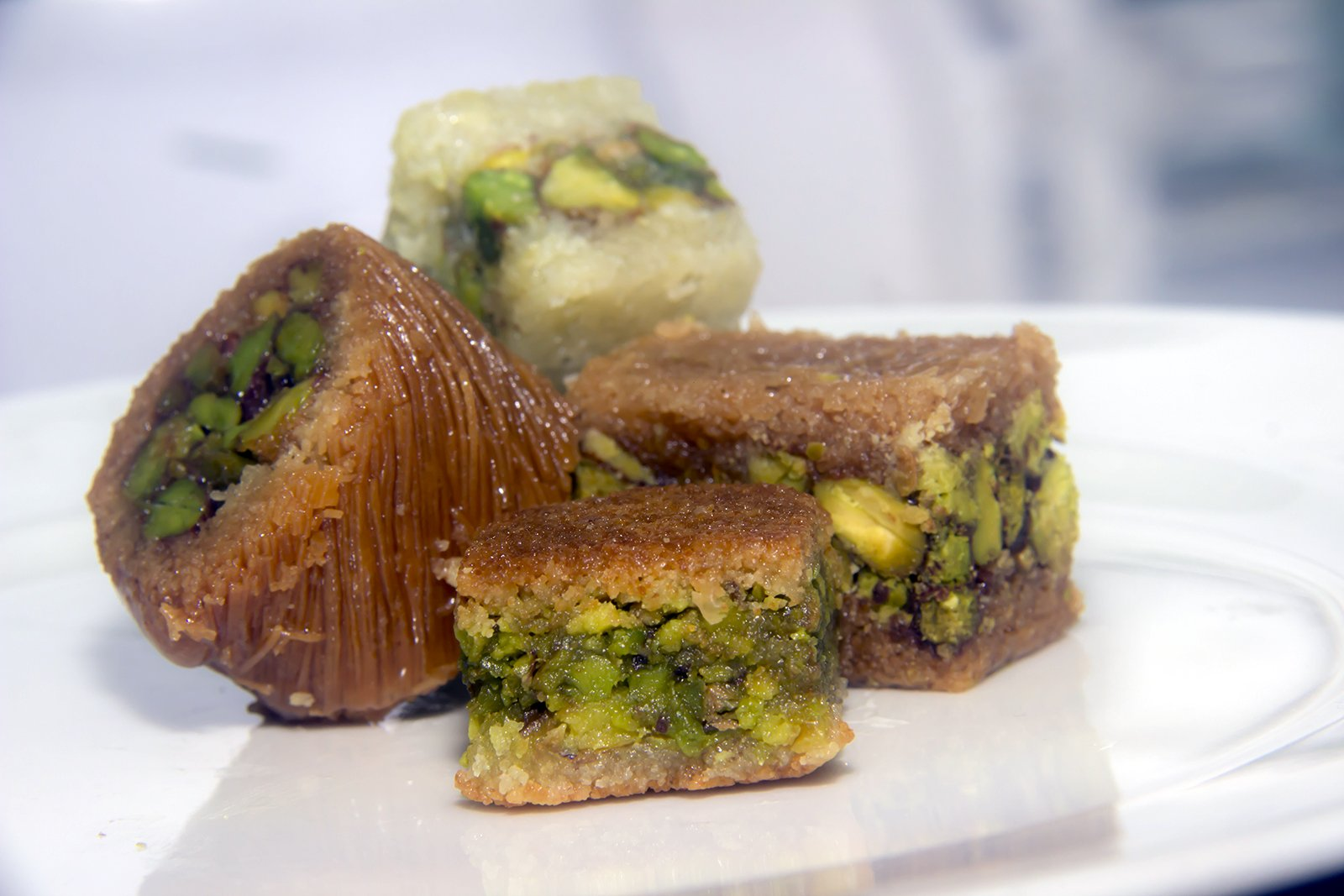 Assorted Baklava Sweets w/Pistachio (20 Oz) : 23-25 Pcs small cut - Imported Fresh from Lebanon - THE ORIGINAL Recipe From Middle East - Assorted Baklava Pastry Pistachios (20 Oz) by Hallab 1881 (Image #3)