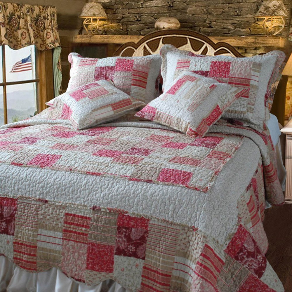 DaDa Bedding Reversible Patchwork Checkered Carnation Cotton Quilt Set, Ivory & Red, King, 5-Pieces