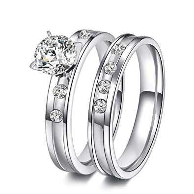 6cf0eec1c2 Ruvee for Your Valentine Couple Love Bands Swarovski Crystal Platinum  Plated Ring for Women & Men