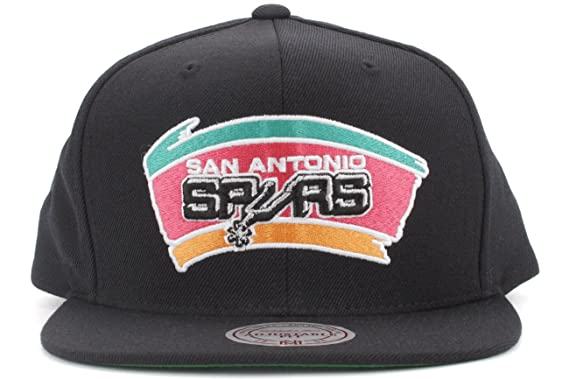 Amazon.com  San Antonio Spurs Mitchell and Ness NBA Wool Solid Color  Snapback Hat (Black)  Clothing bec8ab04ba5d