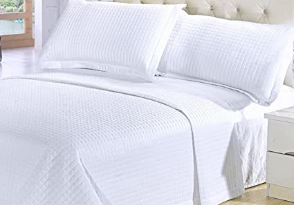 Modern Solid White Quilt Lightweight Reversible Coverlet Set King/Cal King  Size