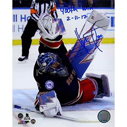 Henrik Lundqvist Signed 400th Win Stacking The Pads 8x10 Photo W