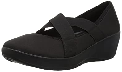 b9c02ffd05e crocs Women s Busy Day Strappy Wedge W Pump