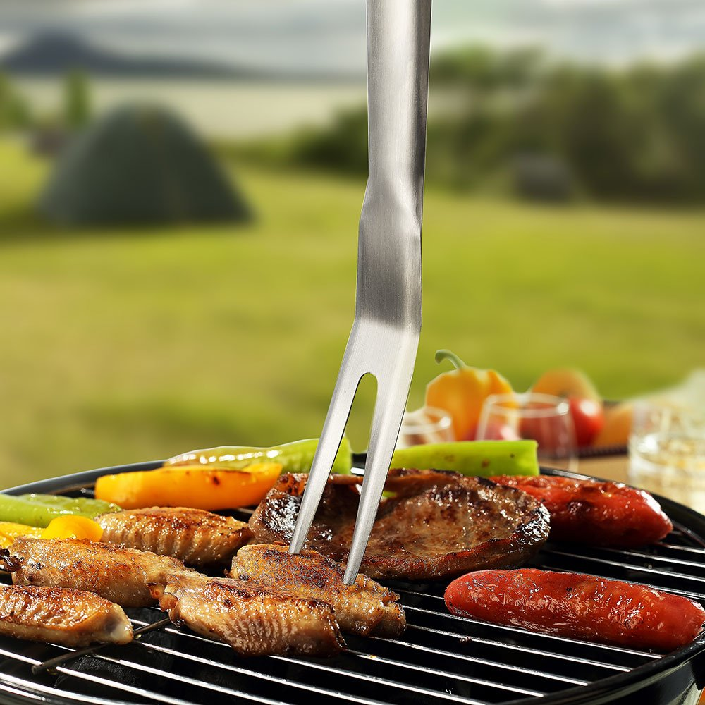 Grill Tool Set 3 Piece Stainless Steel Grill Accessories, BBQ and Spatula,Tongs,Fork with Aluminium Case. The Ultimate Grilling/BBQ Accessories by Sennecko. by Sunnecko (Image #3)