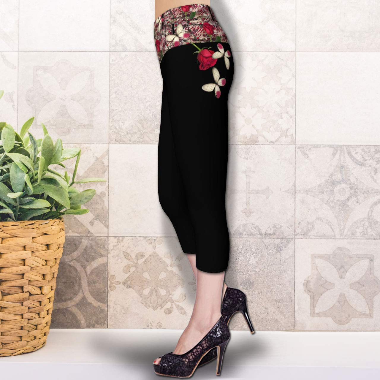Vintage Rose & Butterfly Black Spandex Festival Cropped Length Yoga Capri Leggings Size XL