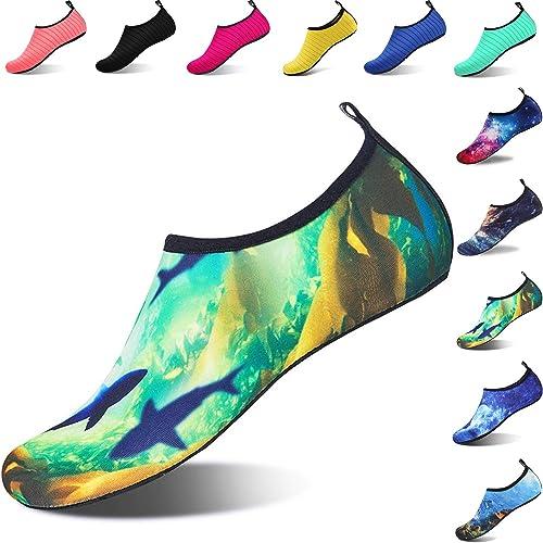 beb8d7c406 Aqua Shoes Escarpines Hombres Mujer Niños Zapatos de Agua Zapatillas Ligeros  de Secado Rápido para Swim Beach Surf Yoga  Amazon.es  Zapatos y  complementos