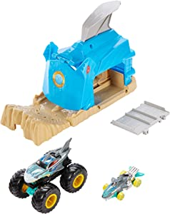 Hot Wheels Monster Truck Pit & Launch Play Sets with a Monster Truck and a 1:64 car, Team Shark Wreak, Multi, Model:GKY03