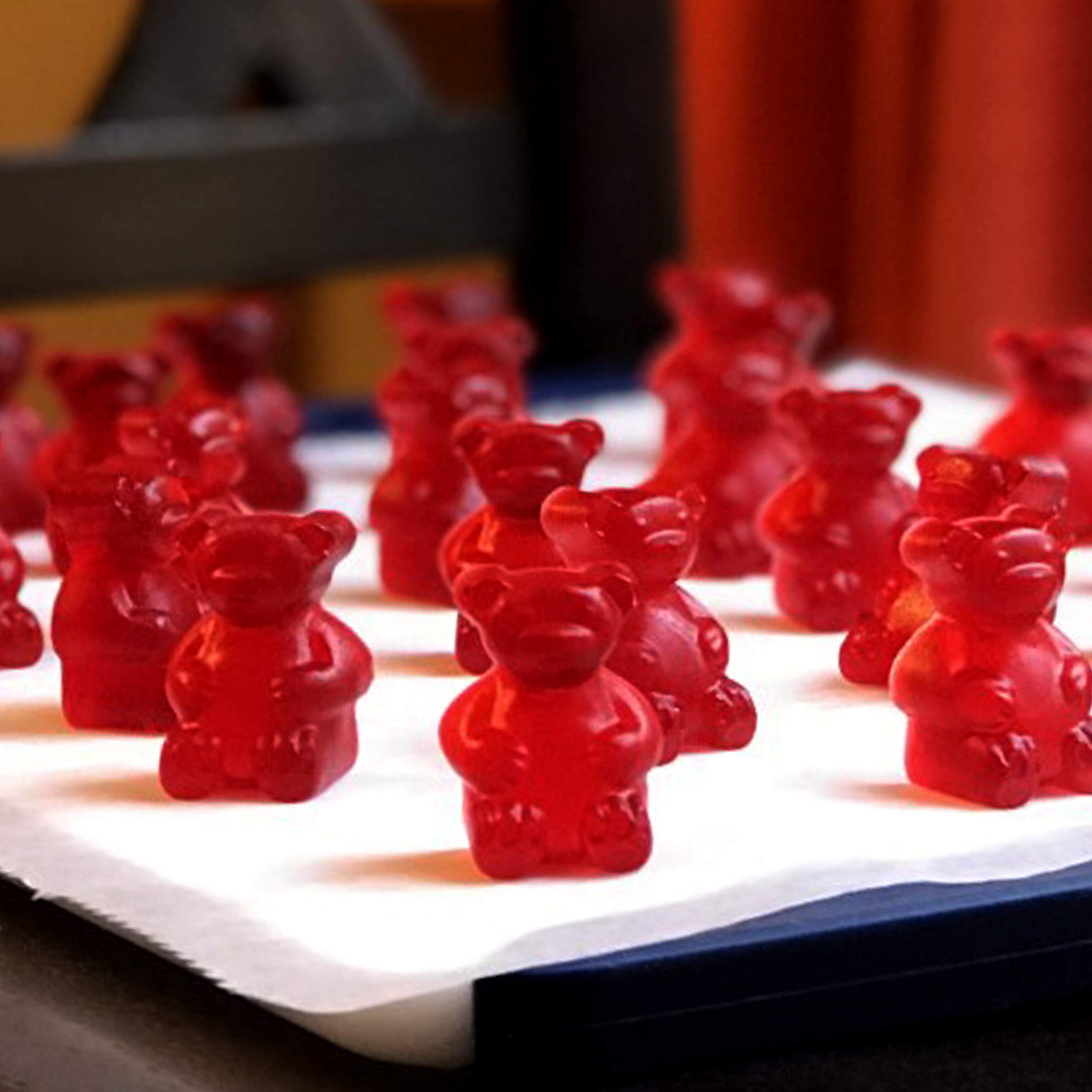 MEDIUM size GUMMY BEAR Mold with BONUS Pinch & Pour Cup + Dropper - by the Modern Gummy; Gelatin GUMMY Recipe on Package & FULL RECIPE PDF via EMAIL, PROFESSIONAL GRADE PURE LFGB SILICONE by The Modern Gummy (Image #6)