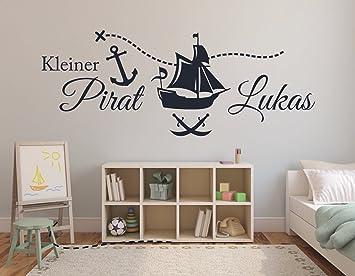 Tjapalo 120cm Pkm69 Wandtattoo Kinderzimmer Junge Kleiner Pirat Mit Namen Piratenschiff Mit Name Amazon De Baumarkt