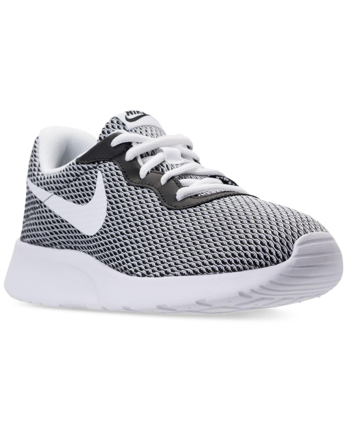 NIKE Men's Tanjun SE Sneaker B01K6OQYRC 7.5 D(M) US Black, White