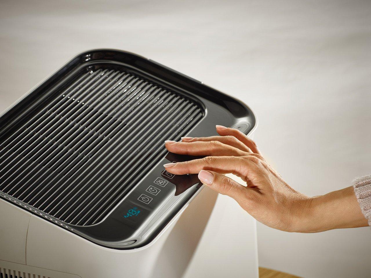 Soehnle AirFresh Wash 500 Purificador de Aire 3 en 1 Filtro en Tres Capas Pantalla LCD humidifica y Limpia Color Blanco
