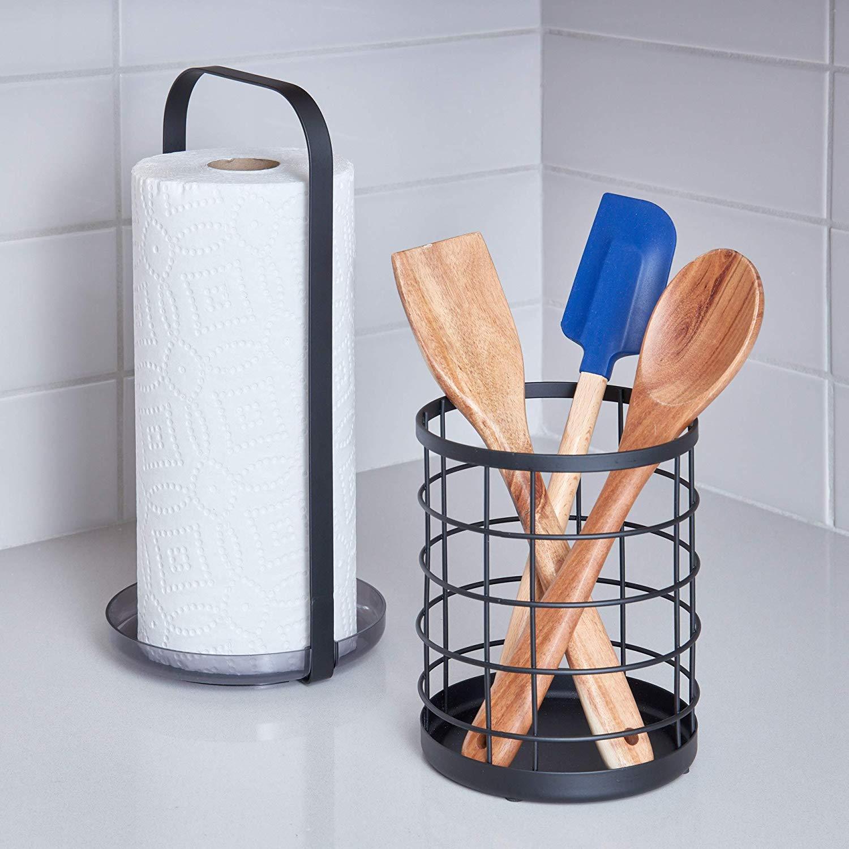 Pratico portarotoli da cucina in metallo Portarotolo cucina verticale da appoggio nero opaco iDesign Organizer cucina per rotoli assorbenti