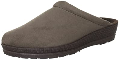 Women's Rohde soft suede tan shows size 6.