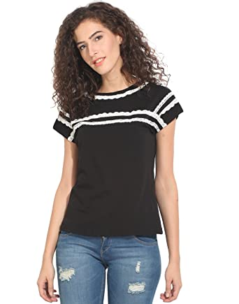 5542bedfdc1093 Hook & Eye Black Short Sleeve with Lace Detail Top X-Large: Amazon ...