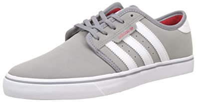adidas Seely, Baskets Basses Homme, Noir (Core Black/Footwear White/Scarlet), 40 2/3 EU