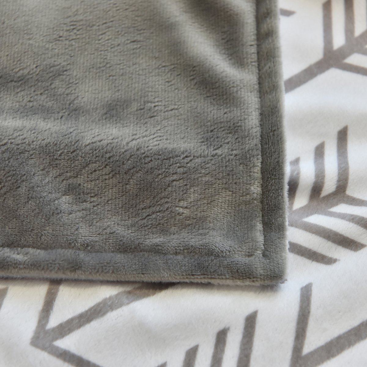 Towin Baby Arrow Minky Double Layer Receiving Blanket Black 30x30 /…