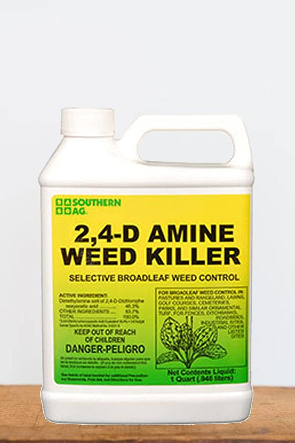 Southern Ag 2, 4 - D Amine Weed Killer (Control Broad-Leaf Weeds, Grass), 1 Quart