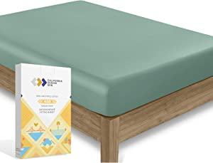 Luxury Collection 100% Pure Cotton Fitted Sheet, Best Hotel Style 400 TC King Size Green Sage Sheet - Long Staple Combed Natural Cotton Sheet Sateen Weave - Fits Mattress 16'' Deep Pocket