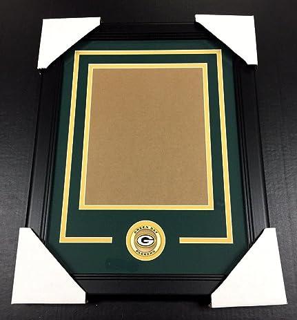 Amazon.com: GREEN BAY PACKERS Medallion Frame Kit 8x10 Photo Double ...