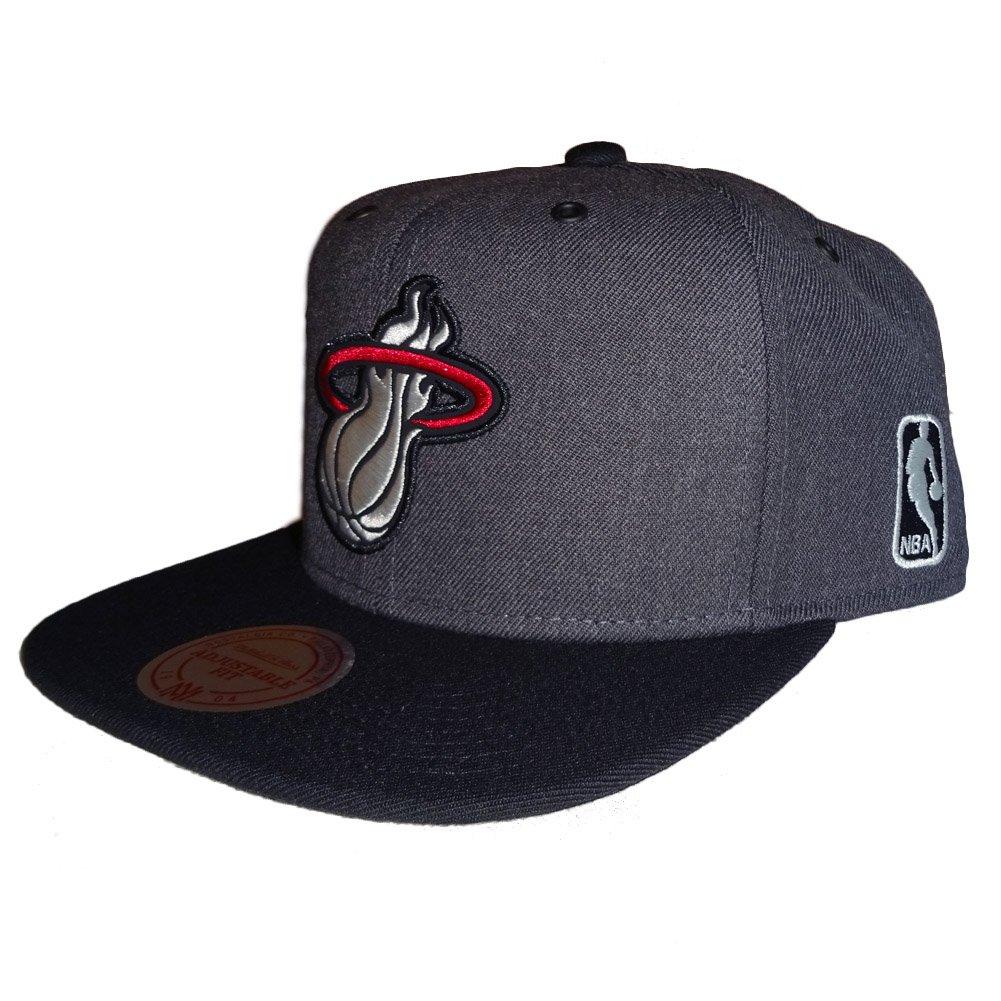 check out 02c4b 78609 Mitchell   Ness Miami Heat G3 Logo Snapback  Amazon.co.uk  Clothing