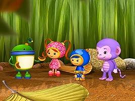 Un nuevo animal está llegando al Zoológico de Umi ciudad. ¡Es un mono violeta! Pero cuando el mono acaba parando, por error, en lacasa helada de los ...