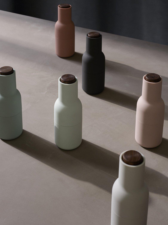 MENU 4418369 Bottle Grinder Set With With Walnut Lid, One Size, Carbon/Ash by Menu