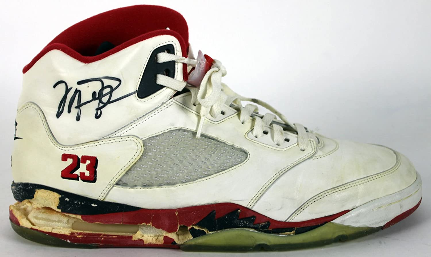 Bulls Michael Jordan Signed 1990 Game Used Nike Air Jordan V Shoes BAS at  Amazon's Sports Collectibles Store