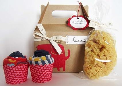 Baby Shower Idea Regalo | Caja con Dos Cupcakes (hechos con 4 Calcetines para Bebés