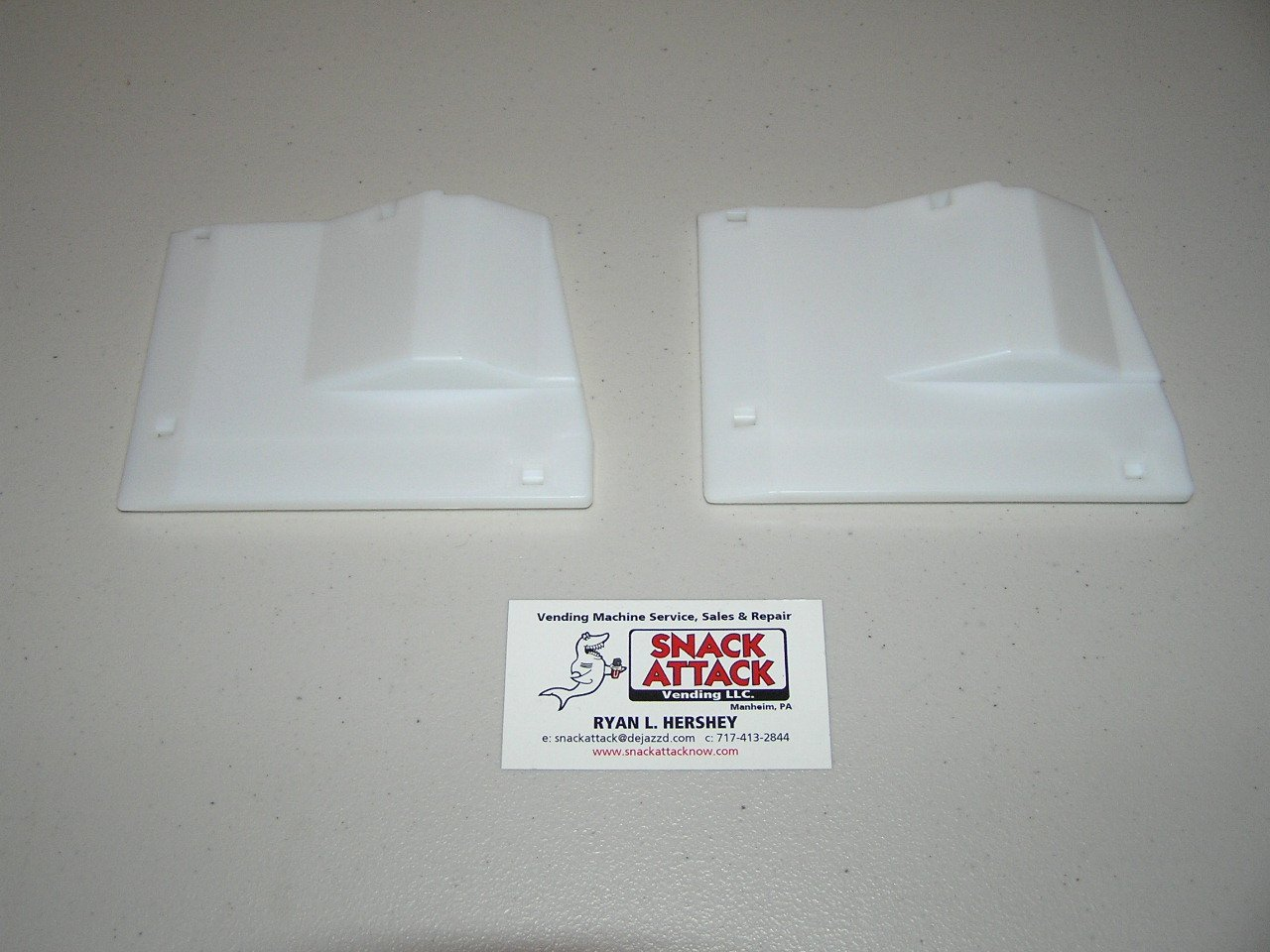 Dixie Narco 2145 & 5591 BEV Max Vending Machine (2) 8oz RED Bull Shims/!