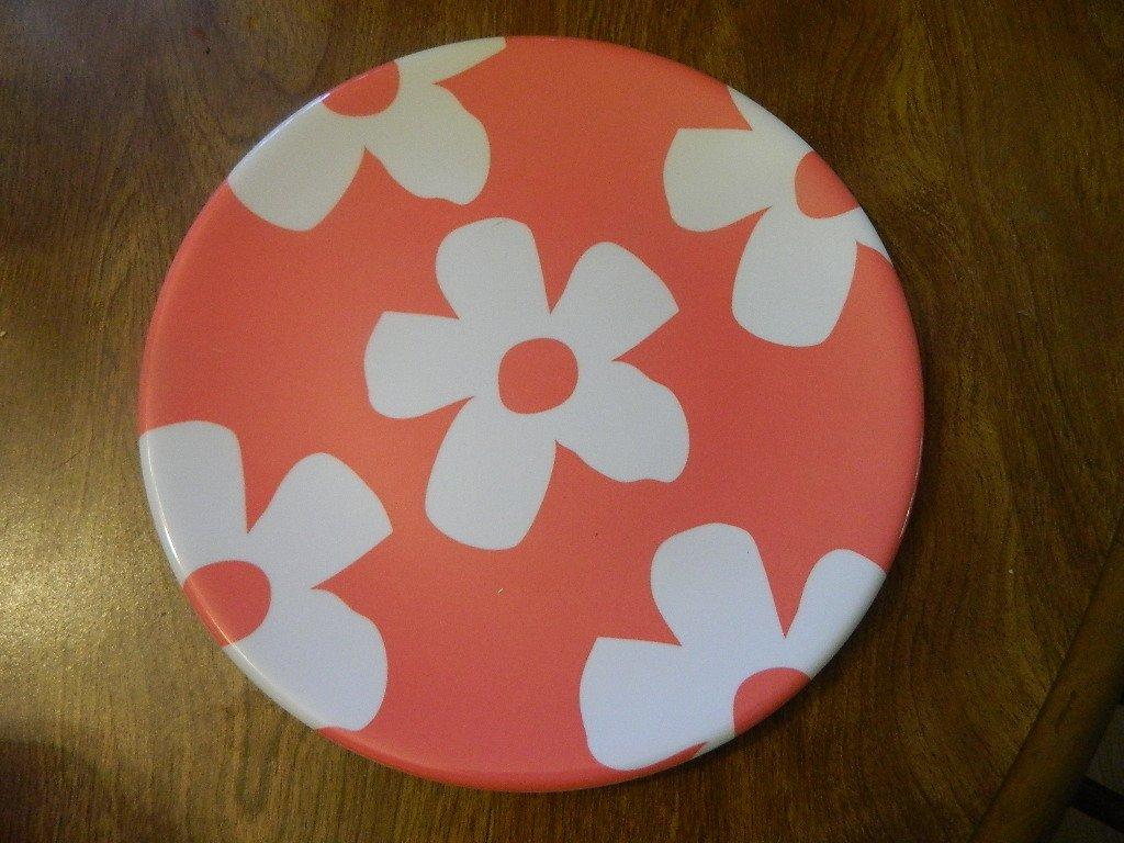 Target 2011 Easter Spring melamine coral pink /white flower salad plate