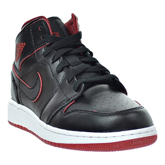 quality design 92f9c 977fb Amazon.com   Jordan Air 1 Mid BG Big Kid s Shoes Black White Gym Red 554725- 028   Basketball