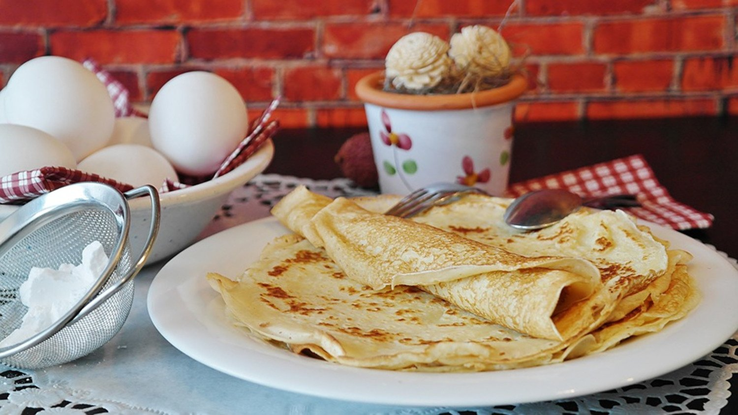 Comfortable Sizes Will Fit Any Crepe Pan 4 Piece Crepe Spreader and Spatula Set All Natural Beechwood and Finish Made by Craft Kitchen 5 Profoco Crepe Spatula 14 and 3.5, 5, 7 Crepe Spreaders