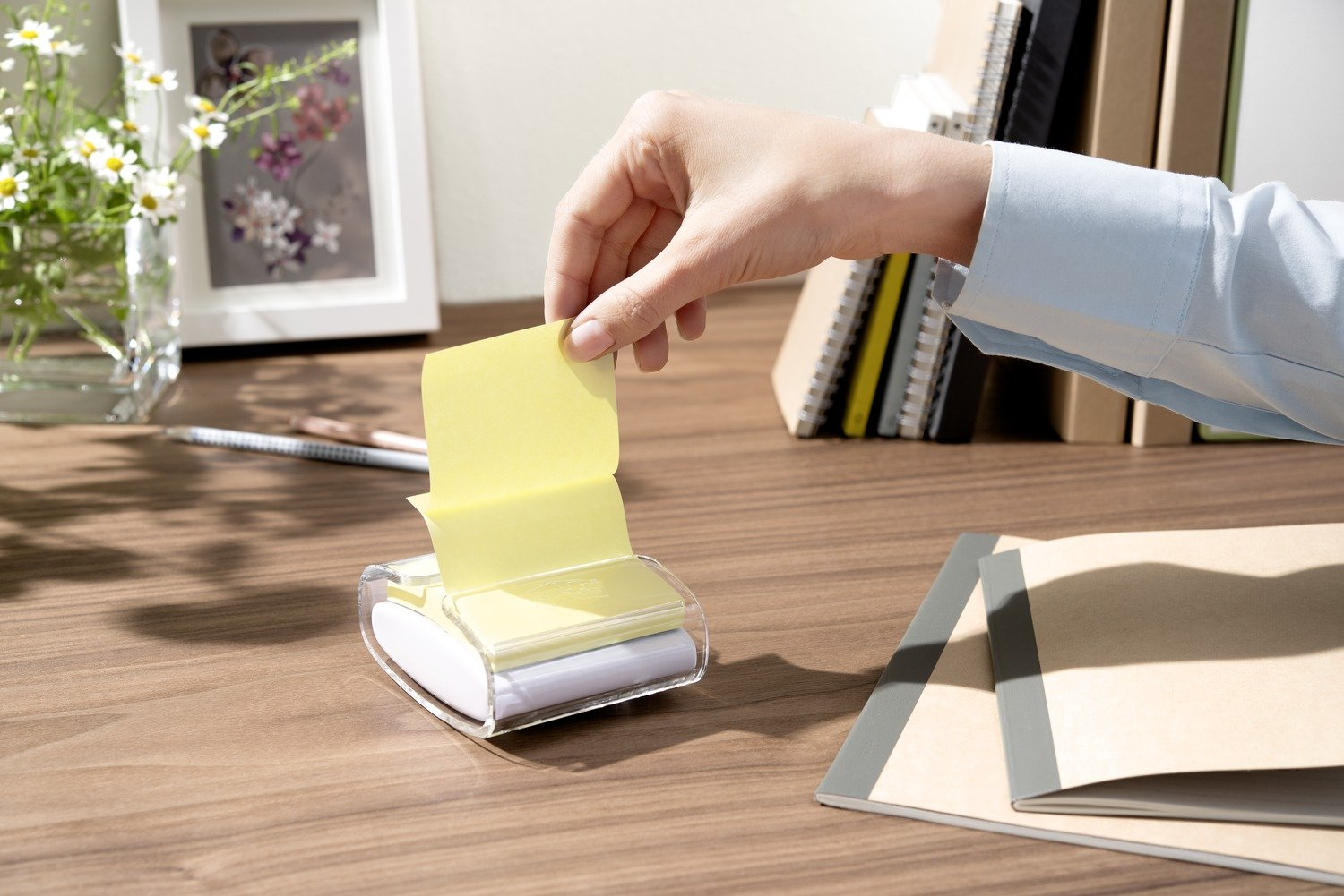 Tower Pack Of 16 Pads 100 Sheets Per Pad 76 mm x 76 mm Canary Yellow Post-it 654-1T Recycled Notes
