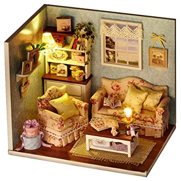 Qearly Holz Material Miniatur Puppenhaus Moebel Mini Haus DIY Dollhouse Kit  Geschenk Mit Abdeckung Und LED