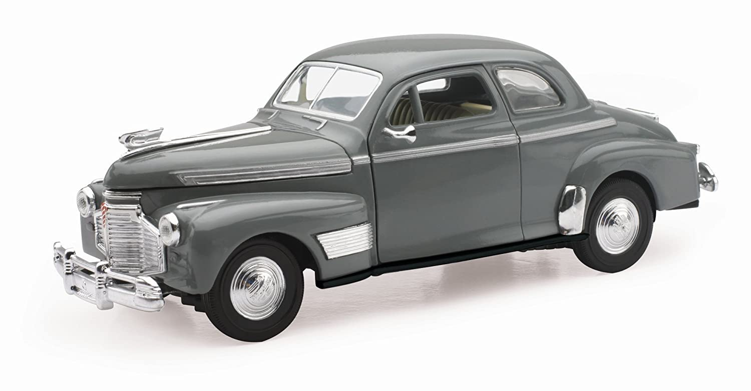 Amazon com: 1941 Chevy Special Deluxe 5-Passenger Coupe Grey 1/32 by